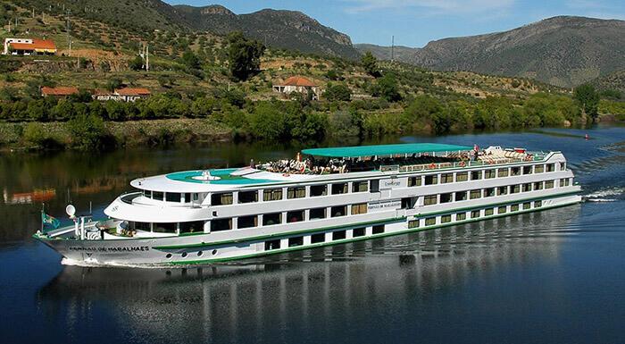 MS Fernao de Magalhaes river cruise ships