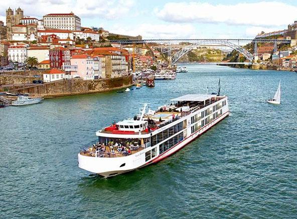 Viking Hemming River Cruise Ship